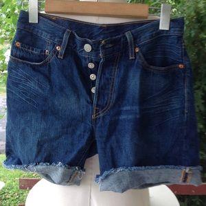 Womans Levi's Jean Shorts.